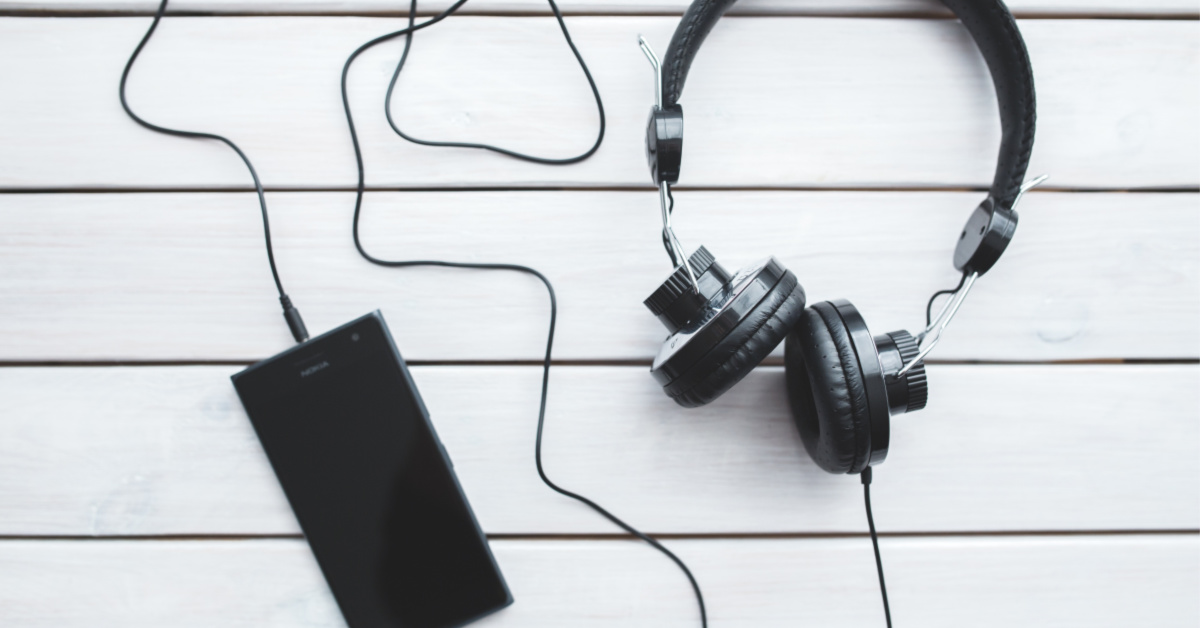 3 Podcasts I Can't Get Enough Of